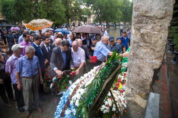 В Черкесске появился памятник добровольцам Карачаево-Черкесии погибшим за свободу и независимость Абхазии