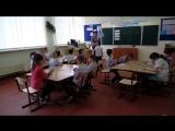 Рома получает грамоту по успехам первого класса