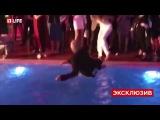 Баскова столкнули в бассейн на вечеринке Эмина Агаларова