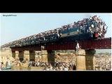 Подборка о поездах Бангладеш и Индии - самые переполненные поезда в мире!