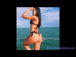 Fitness model workout. Great fitness bikini motivation (FitABS)