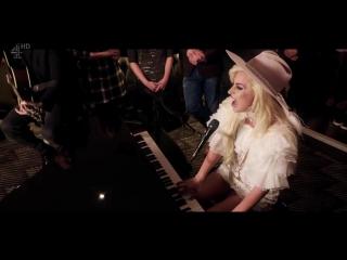 Lady GaGa - Million Reasons (Alan Carr Live)