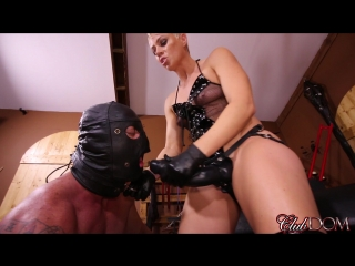 [clubdom] mistress black strapon fucked slave [2017, strapon, pegging, femdom, 1080p]