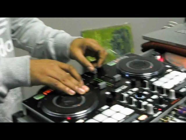 DJ AZUHL USES THE VESTAX VCI-380