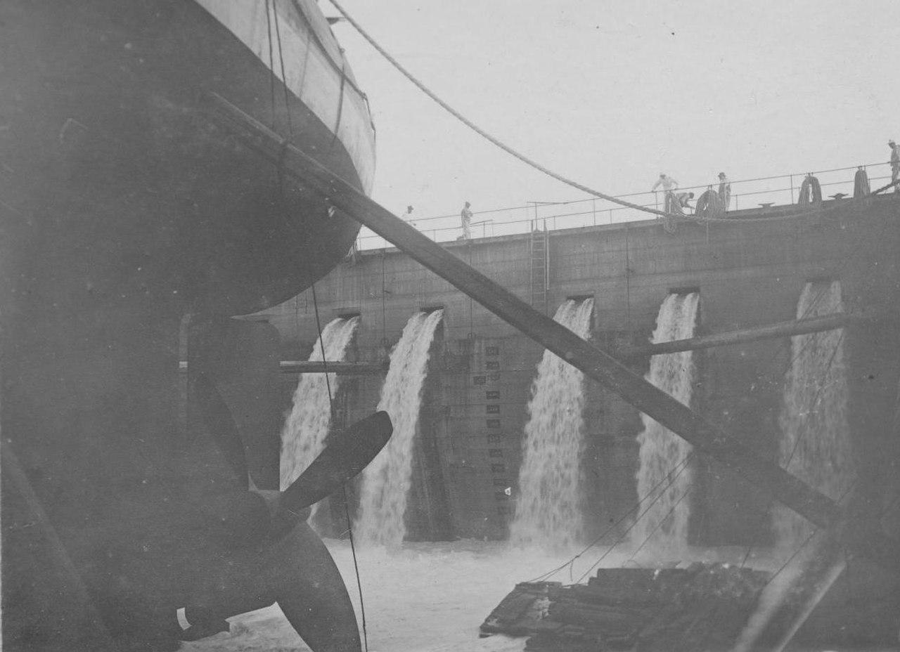 Затопление дока с броненосцем Формидабль в нем