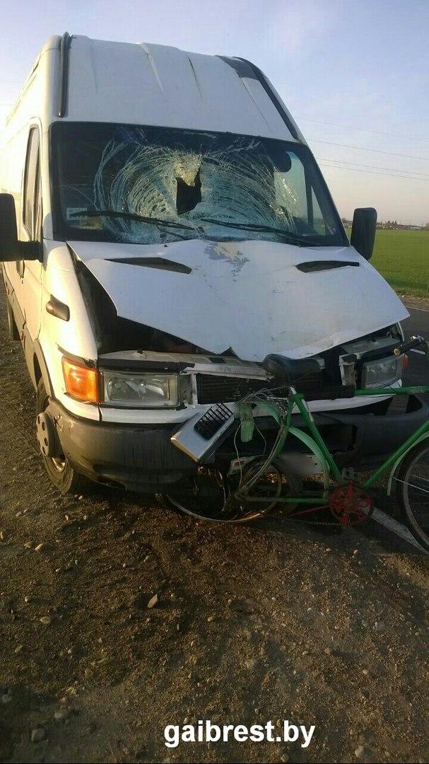 Мужчина уснул за рулём IVECO, съехал в кювет, и насмерть сбил велосипедиста