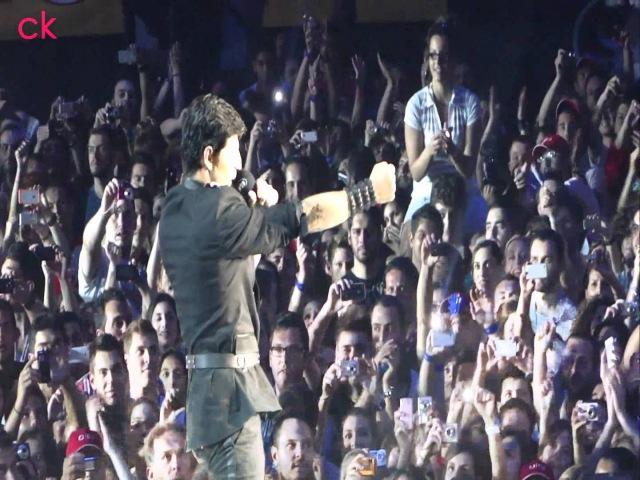 Sakis Rouvas Spase Ton Xrono - Kai Se Thelo - Parafora - Oi 2 Mas Mad Vma 2011 Live HD