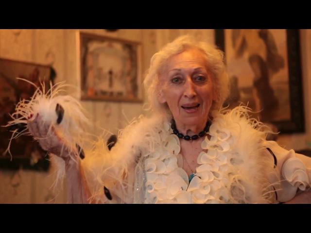 Валентина, профессиональный экскурсовод, 79 лет. Читает стихотворение Анатолия Крахта «Женщина»