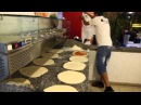 Pizzaiolo Alberto al lavoro