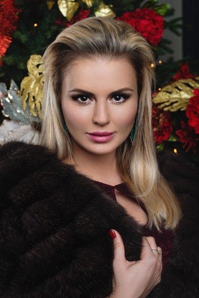 Анна Семенович, певица