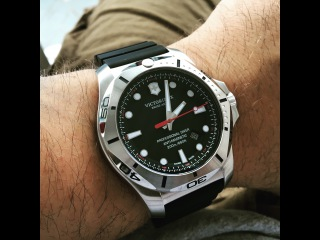Victorinox Swiss Army INOX Diver Watch Overview