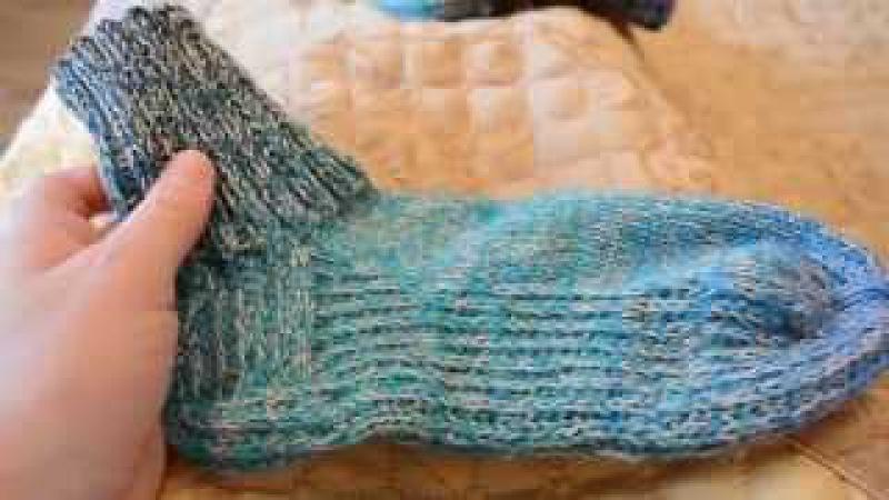 Носки спицами. Вязание укороченных рядов в уплотненной стопе.