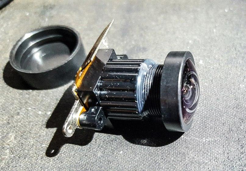 Развлечение на вечер, заменить в китайской гоупрошке модуль камеры вместо разбитого %) В прошлый раз, когда я делал нечто похожее - внутрь матрицы попала пылинка и на фото она была размером со слона %) <br>В этот раз решил взять модуль в сборе, чтобы не повторять свою ошибку 😎