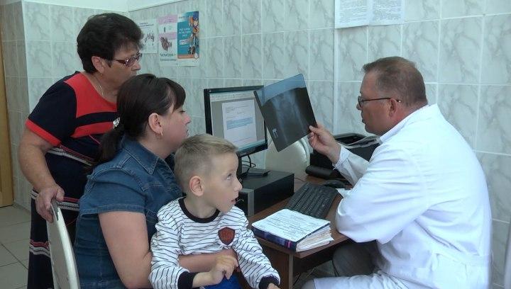 Жители Зеленчукского района побывали на приеме у специалистов Новосибирского научно-исследовательского института травматологии и ортопедии