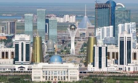 Өлең, құттықтау: Бой көтерді Астана