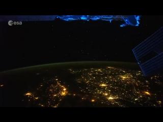 Французский астронавт запечатлел на камеру «защитное поле» Земли