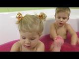 ✿ Развлечения Для Детей СЮРПРИЗЫ в Ванной с Желе Squishy Gelli Baff with toys Diana Show