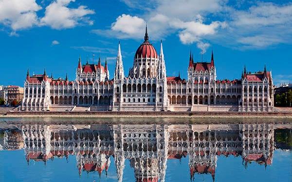 Дешевые билеты на самолет Москва-Будапешт.