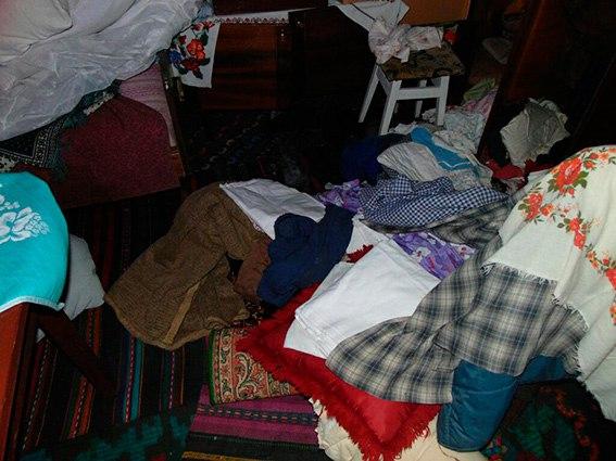 На Кіцманщині 22-річний крадій задушив 95-річну пенсіонерку — поліція (ФОТО, ВІДЕО)