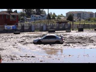 Subaru Impreza WRX STI on mud pit ( WCSS 2013 )
