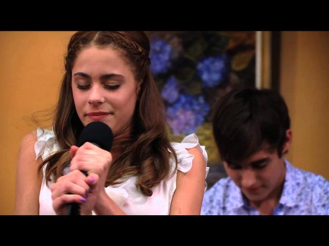 "Seriál Violetta na Disney Channel - Violetta zpívá ""En Mi Mundo v baru (Epizoda 19)"