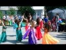 день России, девочка наша танцует