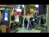 Шоу Бенни Хилла в аэропорту Казани 720p