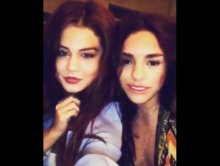 Ванесса хадженс в instagram: «@selenagomez and i face swapped. i thought it would look more normal. we blame the lighting. 😳😝»