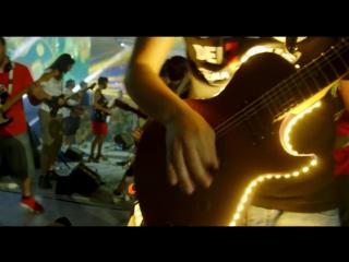 1000 музыкантов исполняют «Smells Like Teen Spirit» [V/M]