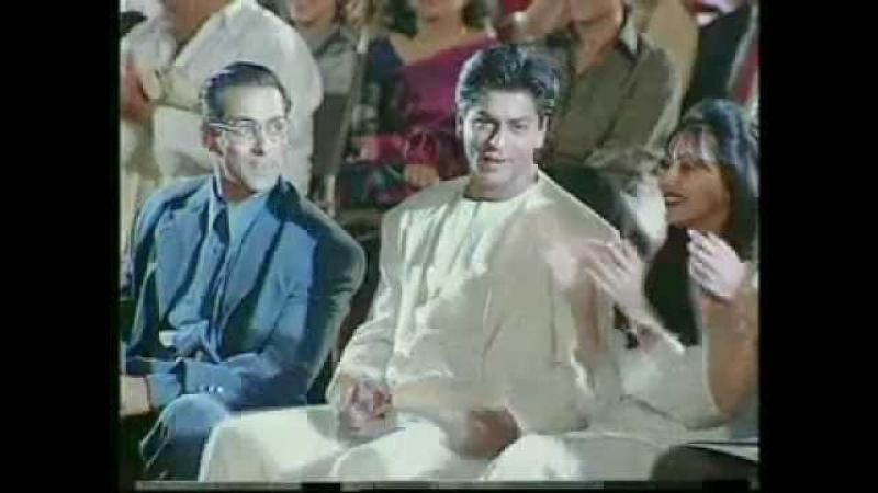 Шахрукх Кхан и Салман Кхан на Zее Cine Awards 1998 Награжден Лучшим актером за фильм Всё в жизни бывает