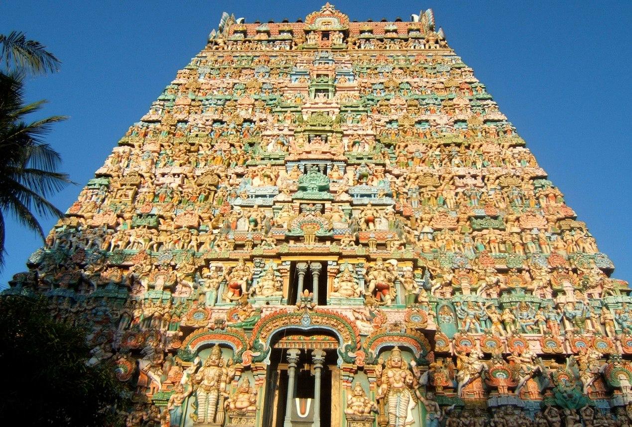 Индуизм представляет собой семейство разнообразных религиозных традиций