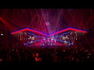 The Chainsmokers Coldplay - Something Just Like This (Live at the BRITs)