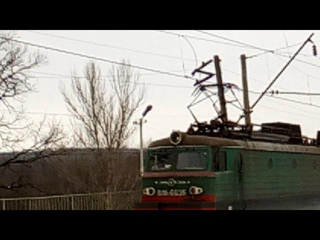 Электровоз ВЛ11 663 следует платформу Карачёвка бригаде огромное спасибо за приве