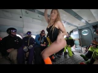Зажигательный ролик про Хели в Узбекистане, и бонусом приватный танец в вертушке