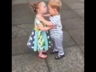Целоваться - это весело/IT'S TIME VIDEO
