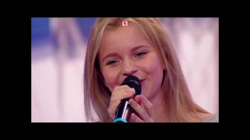 Алиса Кожикина представила на Life78 новую песню Сдай назад