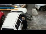 Две автоледи устроили драку за место на парковке в Барнауле