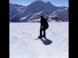 Спуск на сноуборде с 3 845 над уровнем моря