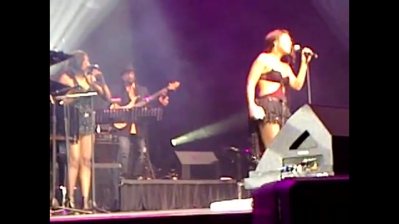 Toni Braxton Yesterday(live 2010)