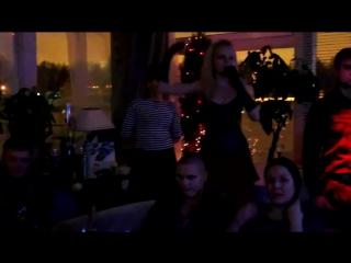 Алиса Вокс и певица Слава в ресторане паруса.