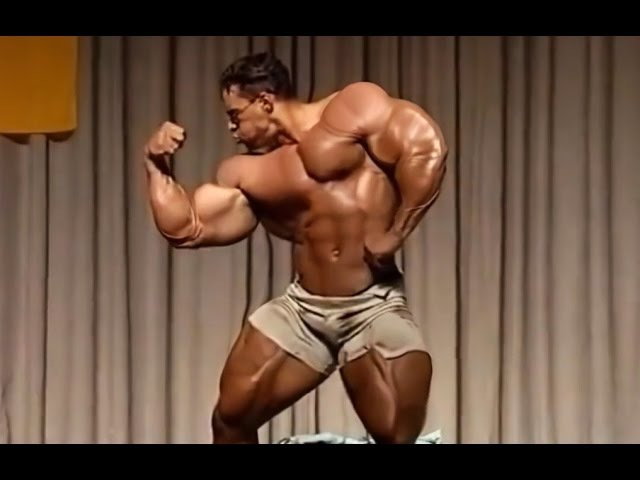 Kevin Levrone Posing 1992 Guest Germany