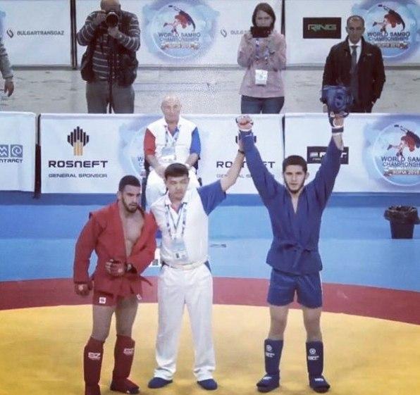 Ислам Махачев стал чемпионом мира по боевому самбо до 74 кг