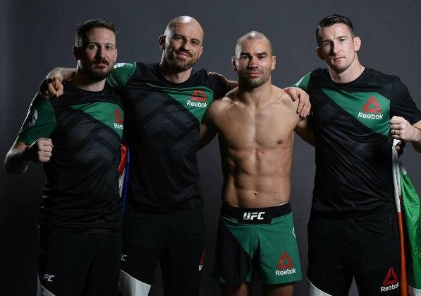 Артем Лобов с командой после боя на UFC Fight Night 99
