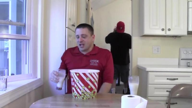 Carolina Reaper Hot Pepper Challenge ٭٭٭Vomit Alert٭٭٭