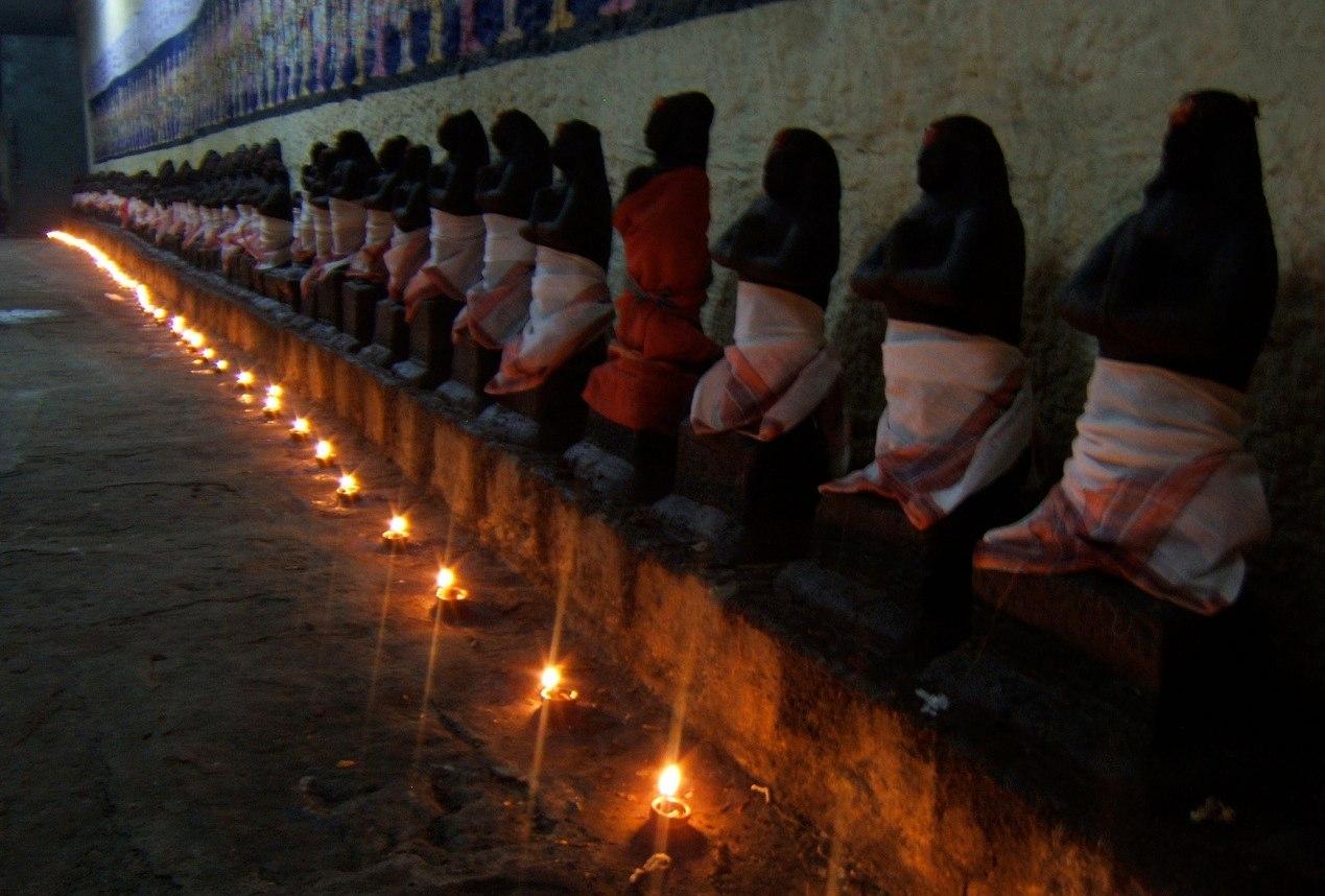 В индуизме существует большое количество священных писаний