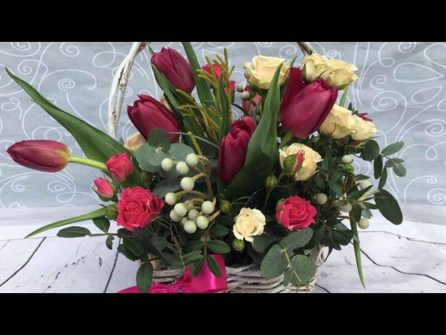 Весняна феєрія тюльпанів у кав'ярні Щастя