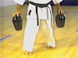 Силовая тренировка в каратэ. Старая школа окинавского каратэ.