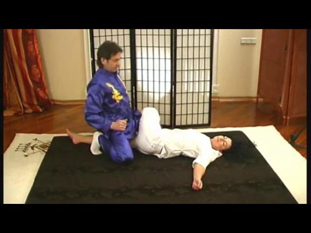 Тайский йога массаж Обучающее видео Роберт Илинскас 360p