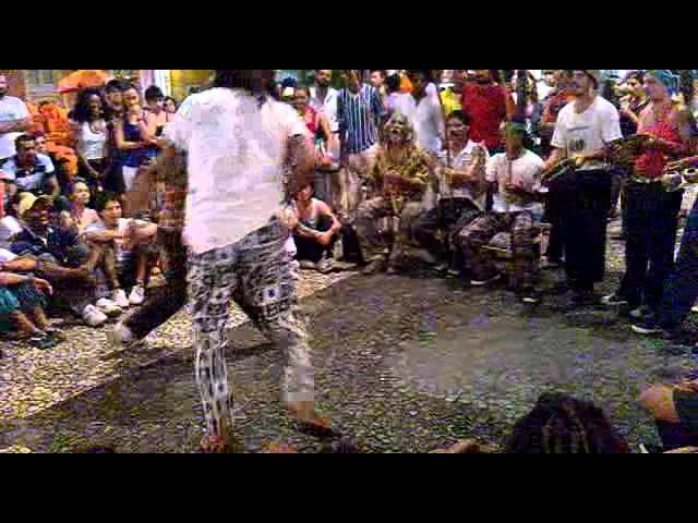 O Melhor Jogo De Capoeira Angola De Rua De 2014 Guaxini E Fubuia.