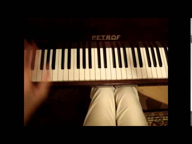 7 40 (семь сорок) - как сыграть на пианино (фортепиано). Видеоурок.